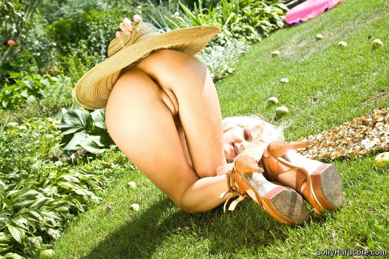 Lolly Model Nude
